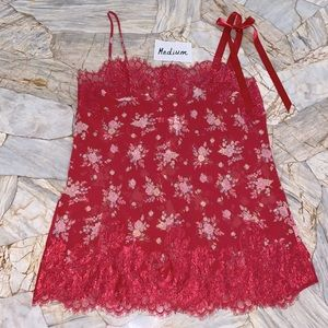 Medium Red VS VERY SEXY Floral Lace Chantilly Slip